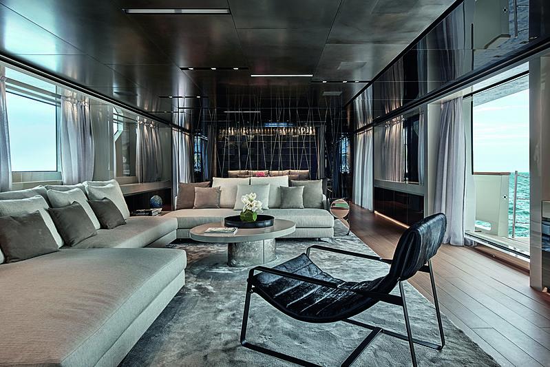 Y4H yacht interior