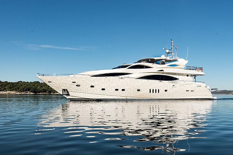 BABY I yacht Sunseeker
