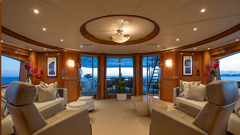 Glaze yacht saloon