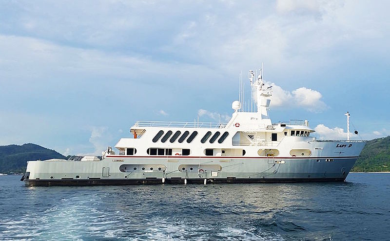 Lady D explorer yacht anchored