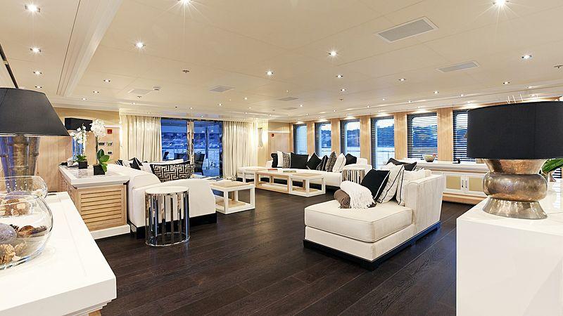 Kinta yacht saloon