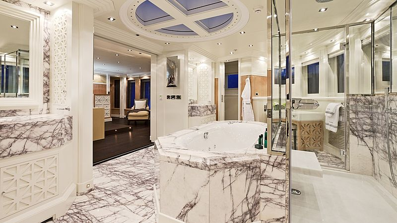 Kinta yacht bathroom