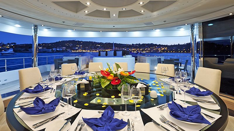 Kinta yacht dining room