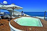 Lumiere yacht jacuzzi