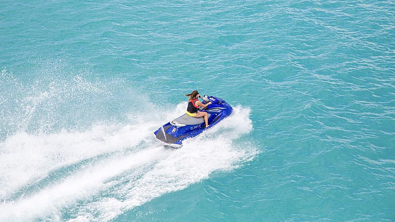 Mim yacht jetski