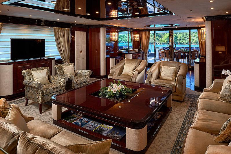 Reve d'Or yacht saloon