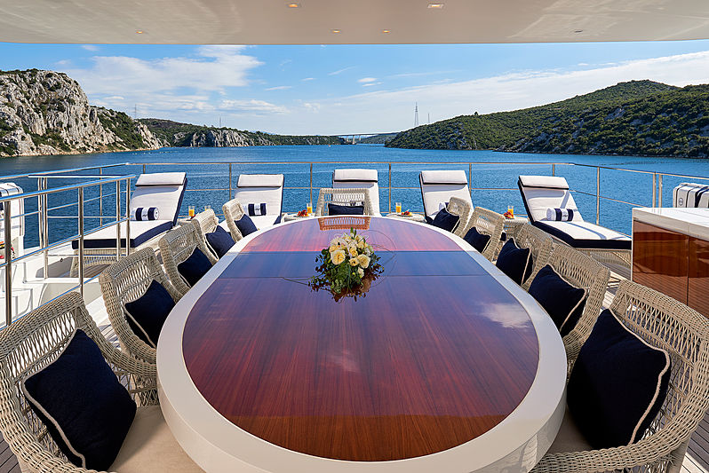 Reve d'Or yacht deck dining