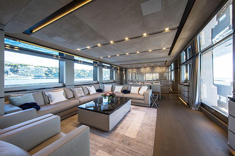 Brabus 7 yacht saloon