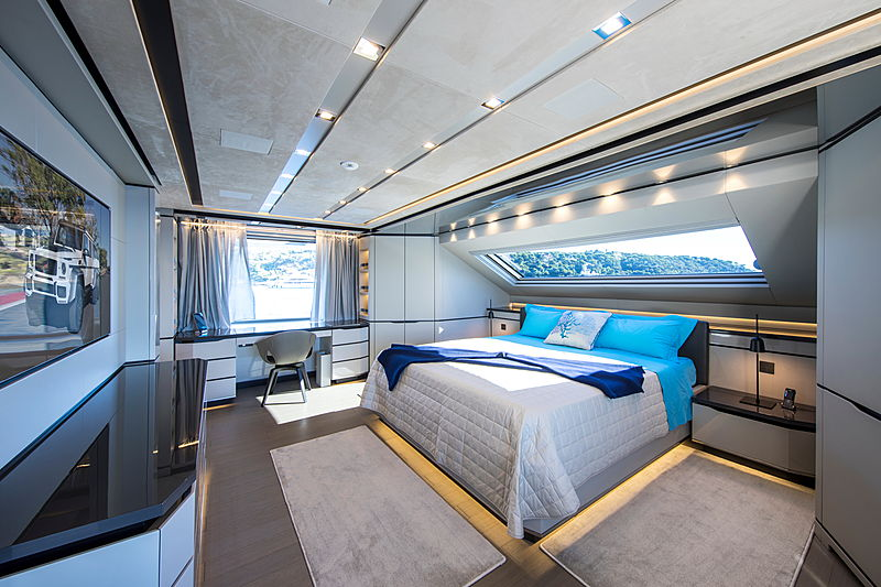 Brabus 7 yacht owner's stateroom