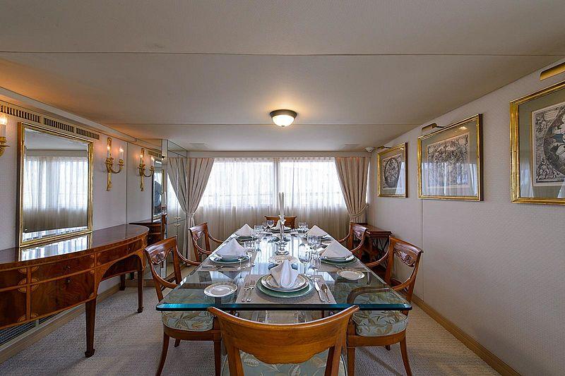 Blue Star yacht dining room