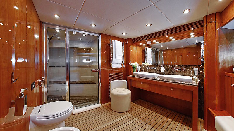 Ira yacht bathroom
