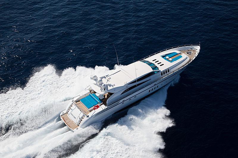 Kidi One yacht cruising
