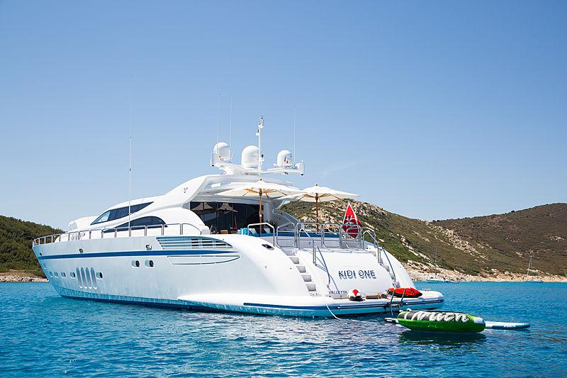 Kidi One yacht anchored