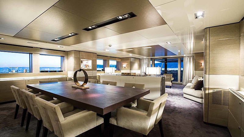 Tommy Belle yacht dining room