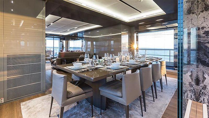 Tremenda yacht dining room
