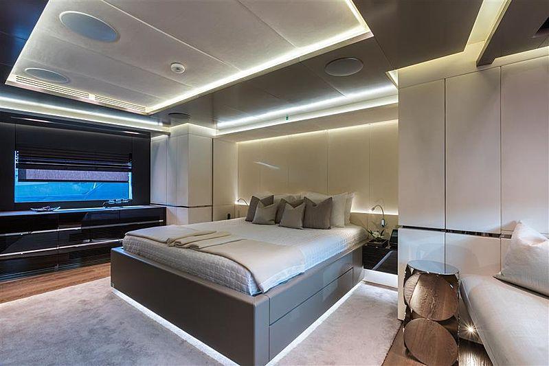 Tremenda yacht stateroom