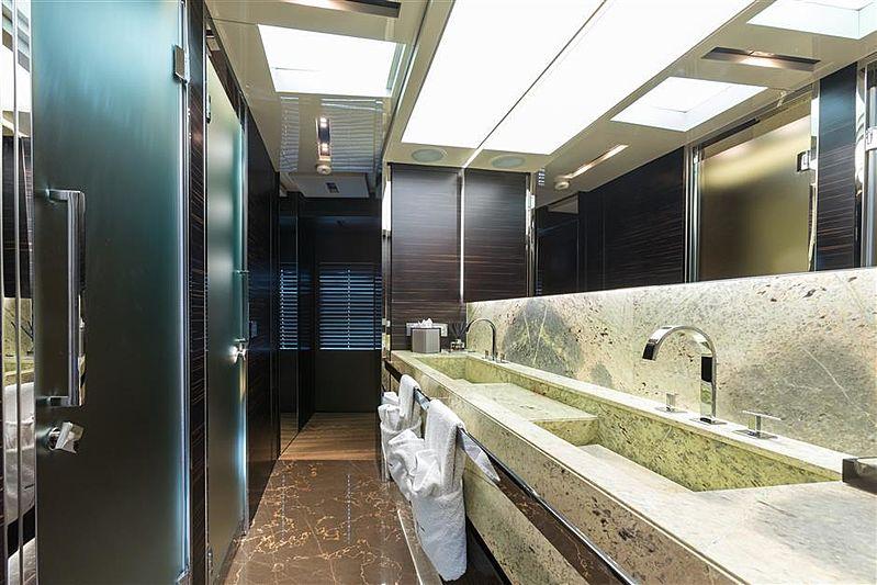 Tremenda yacht bathroom