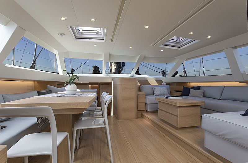 SW105#03 Power of 2 yacht living space