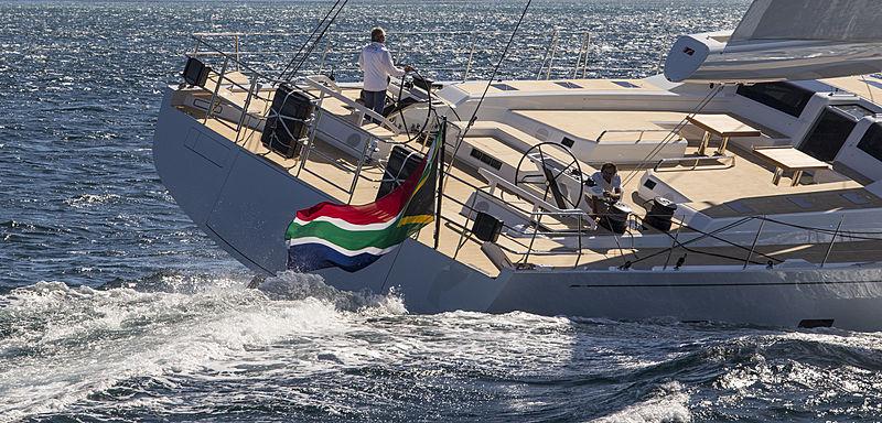 SW105#03 Power of 2 yacht stern