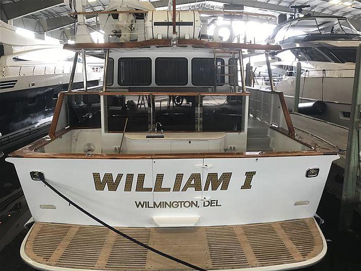 William I yacht stern