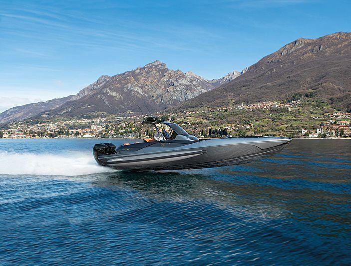 Sunseeker Hawk 38 yacht cruising