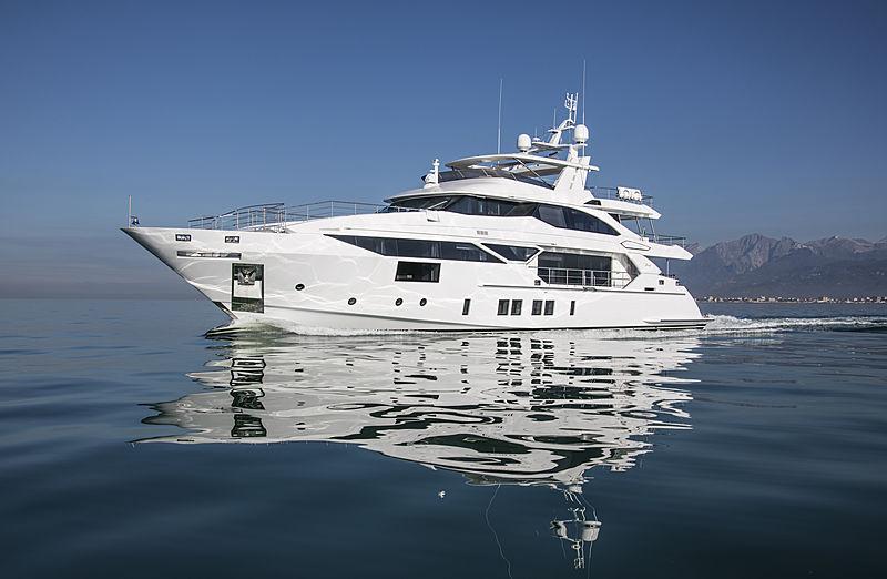 Benetti 125 / BF107 yacht cruising