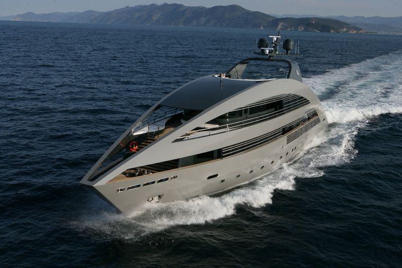Ocean sapphire cruising