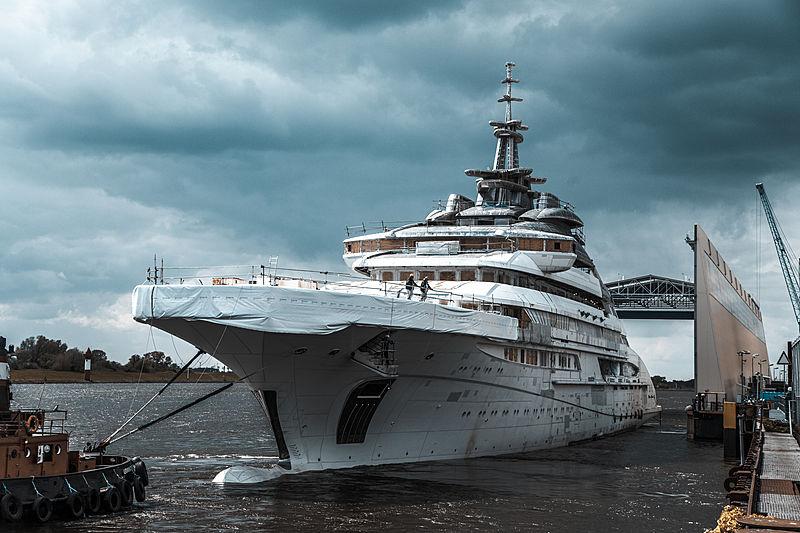 Project Redwood yacht by Lürssen