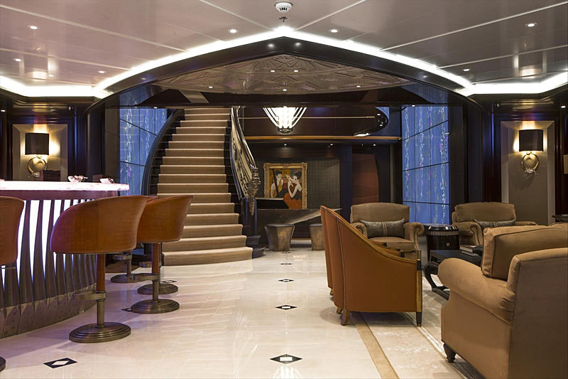 Kismet yacht bar in the saloon