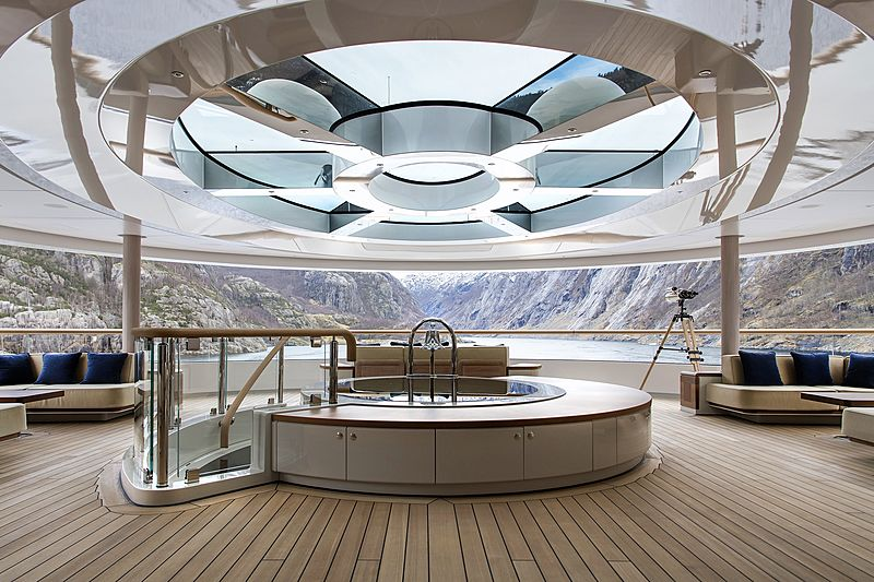 Flying Fox yacht observation lounge
