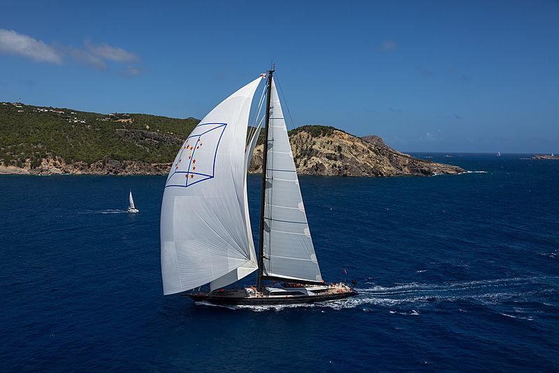 Perseus 3 yacht sailing