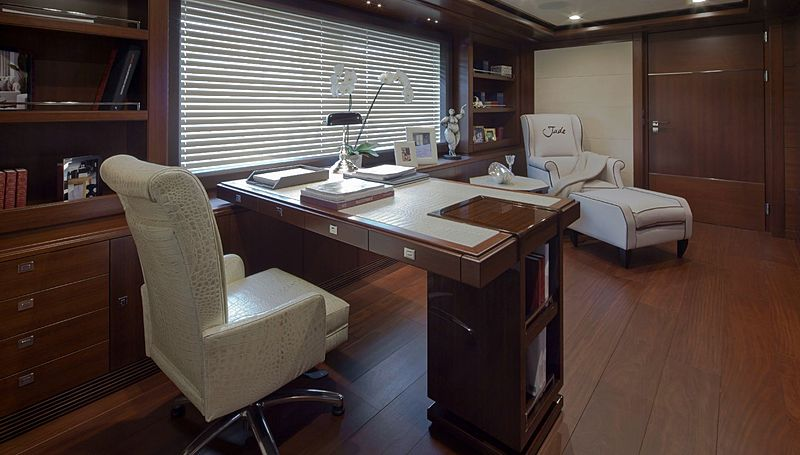 J'Ade yacht owner's study room