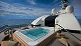 J'Ade yacht jacuzzi