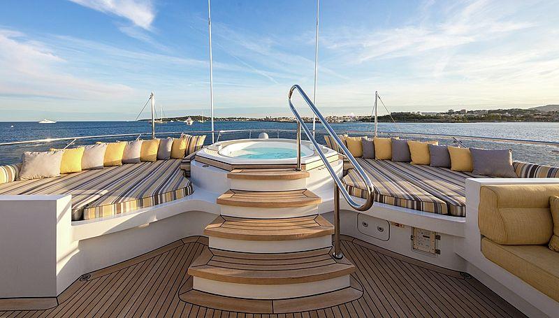 Lady Sheridan yacht jacuzzi