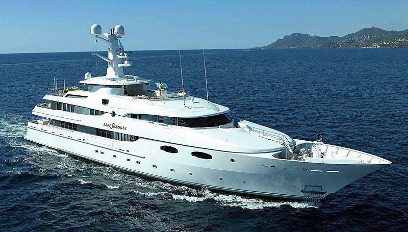 Lady Sheridan yacht cruising