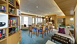 Salila yacht dining room