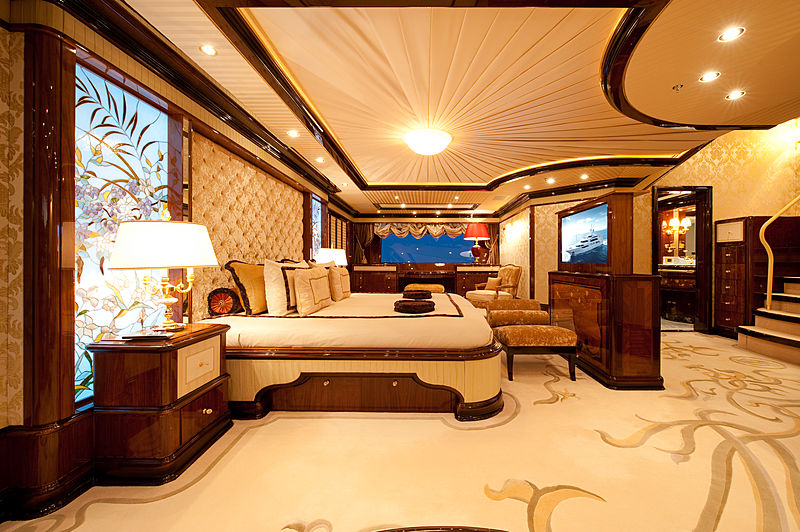 Iman yacht owner's stateroom