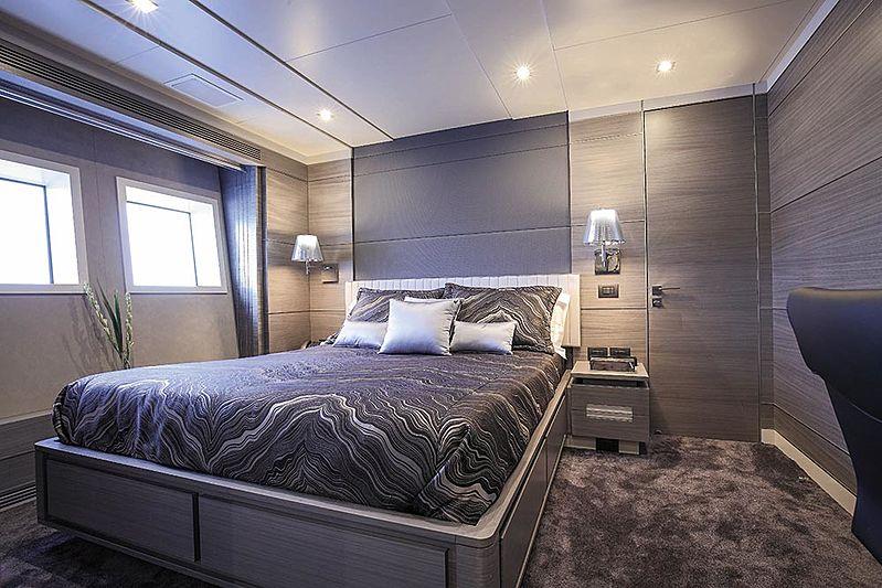 Falcon II yacht interior