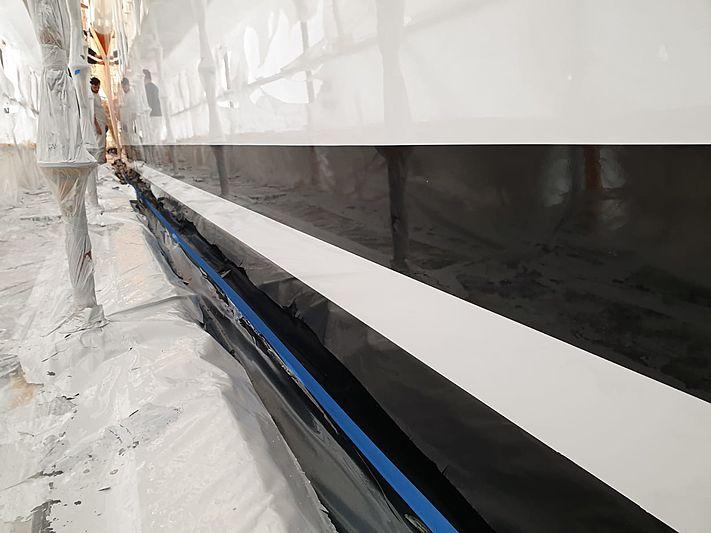 Thraki Yacht Painting topcoating works