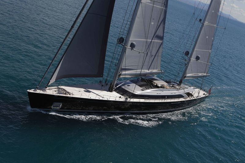 Sybaris sailing