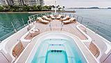 La Familia yacht exterior
