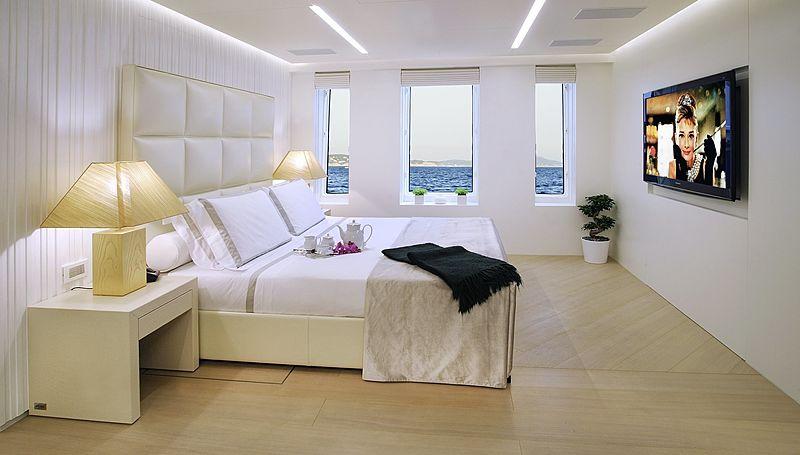 Blade yacht stateroom