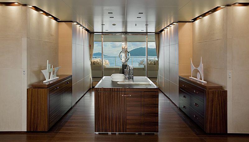 Lammouche yacht interior
