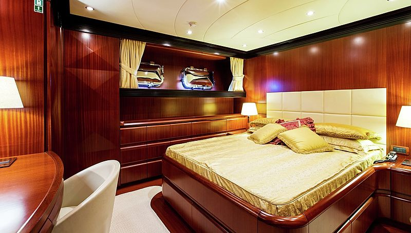 Lighea yacht stateroom