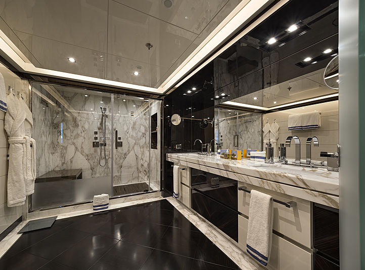 Rarity yacht bathroom