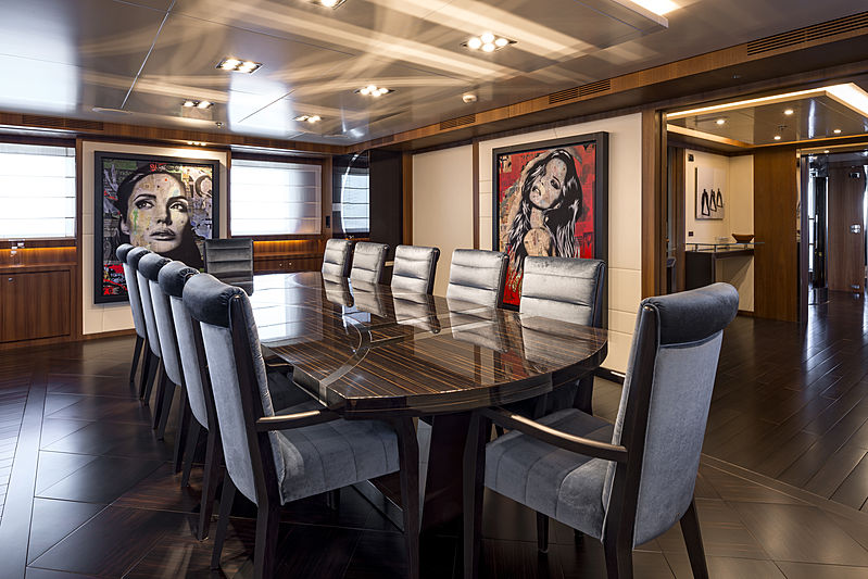 Rarity yacht dining room