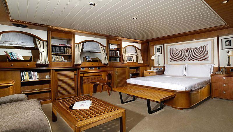 Meserret yacht stateroom
