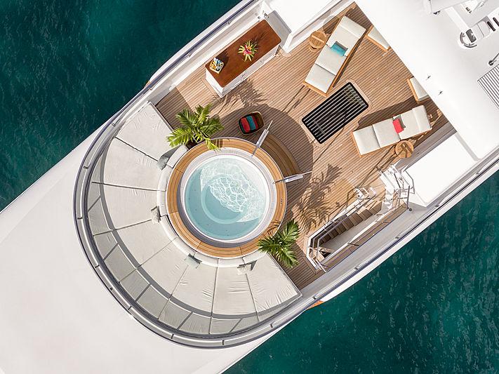Gladiator yacht sundeck
