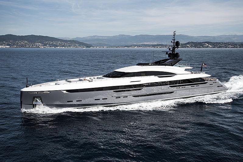 Utopia Iv yacht cruising