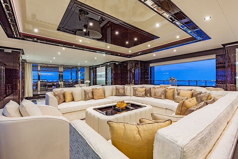 Spectre yacht saloon